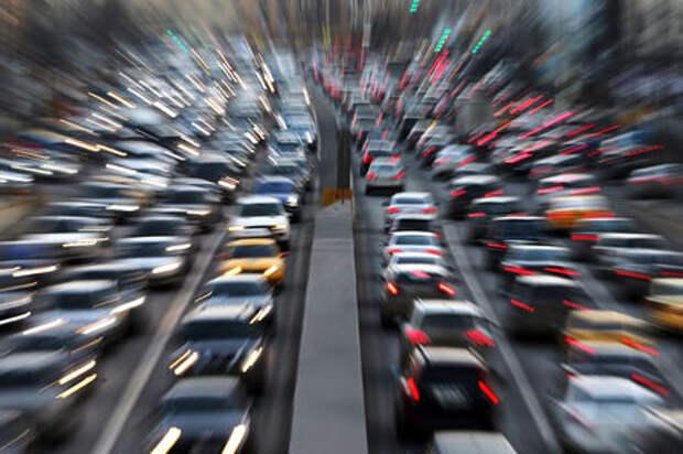 Москва не попала в тройку городов-лидеров по числу автовладельцев