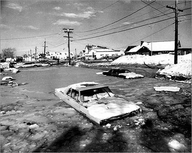 В некоторых районах шторм сопровождался наводнениями. <br>