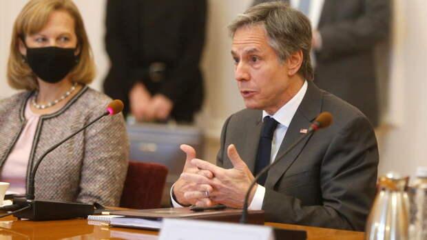 Блинкен считает, что коррупция и олигархи несут угрозу для Украины