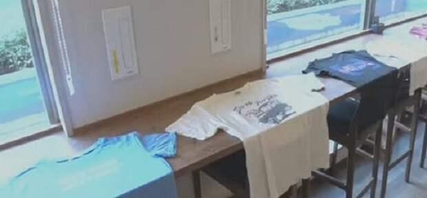 Японский лайфхак, как вернуть растянутой горловине на футболке приличный вид
