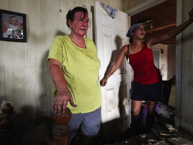 Ураганы пять раз разрушали дом Мелани Мартинез. | Фото: publy.ru.