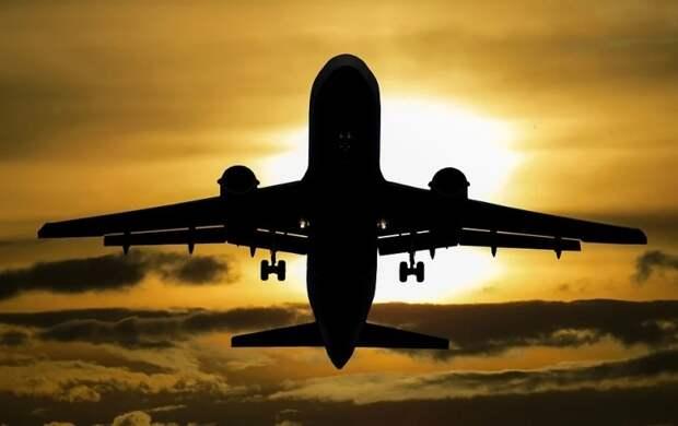 Возобновление авиасообщения с 8 странами разделило россиян на два лагеря