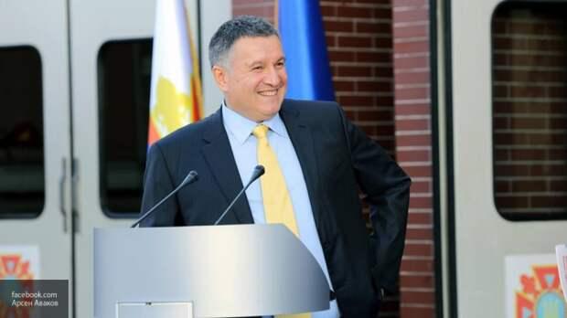Партия Зеленского придумала, как убрать Авакова с поста главы МВД Украины