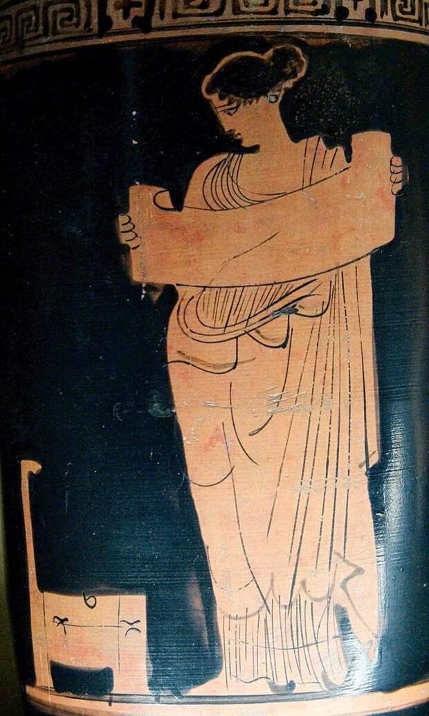 Читающая муза. Роспись на греческой вазе V в. до н.э.