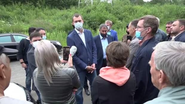 Жители Хабаровского края перехватили кортеж уехавшего из Хабаровска врио губернатора