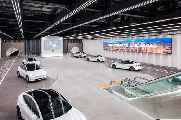 Илон Маск запустил скоростной тоннель Loop в Лас-Вегасе