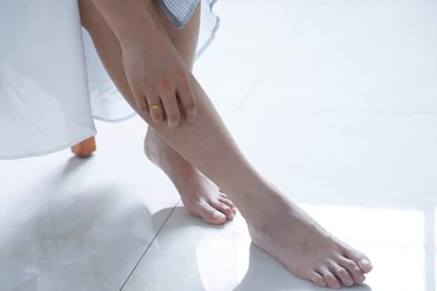 Бородавки на ноге: причины появления и к какому врачу обратиться