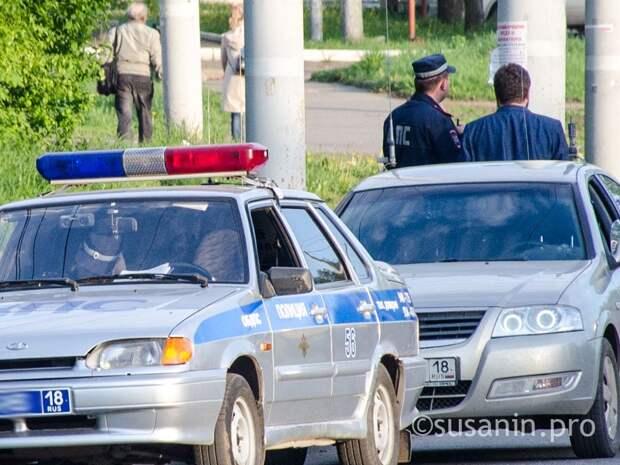 Не бил, а поднял руки: в Ижевске перед судом предстанет мужчина, напавший на полицейского