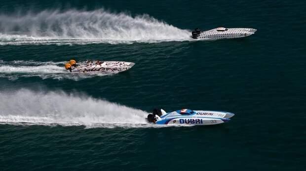 10. Гонки на моторных лодках
