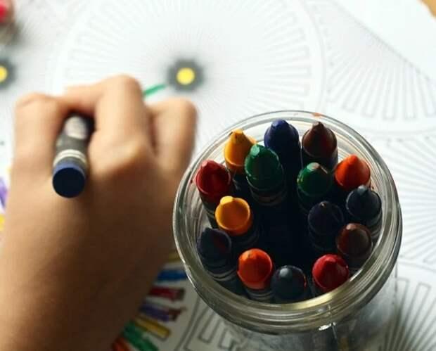 Семьям с маленькими детьми выплатят по 5 тыс. рублей к Новому году