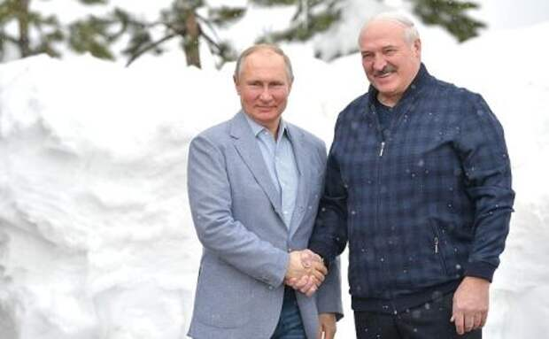 Россия передала Белоруссии технологии по производству вакцин от COVID-19