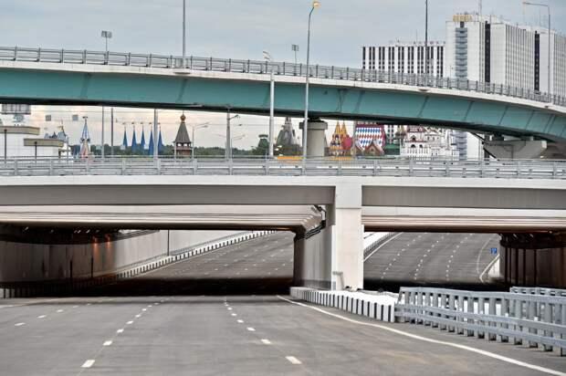 На пересечении СВХ с проспектом Мира приступили к бетонированию дорожных плит