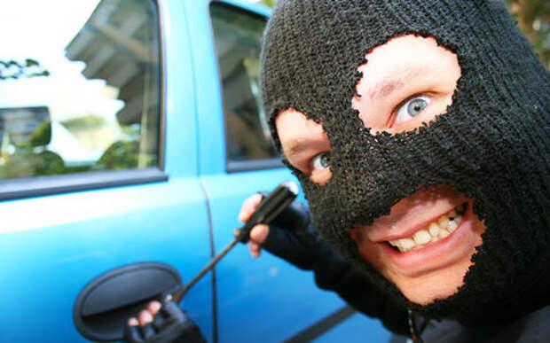 Фатальное невезение: ростовский угонщик за день ухитрился сломать три автомобиля