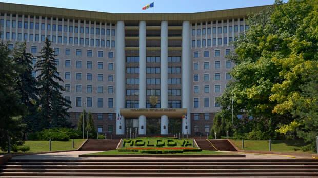 "Борьба коалиций: как победа оппозиции в  Молдавии ""ударит"" по Санду"