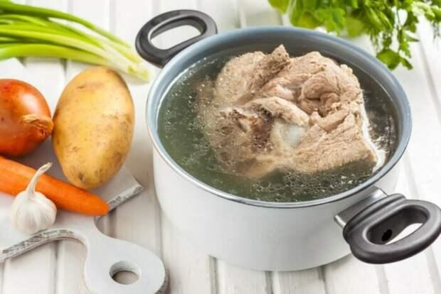Простой ингредиент, который сделает жесткий кусок мяса нежным и сочным