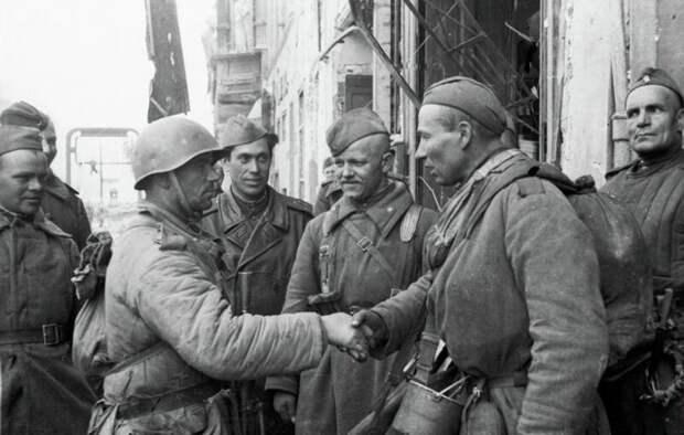 «Как вести себя с русскими?». Выдержки из американского карманного справочника 1944 года