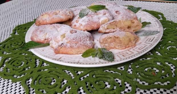 Яблочное печенье с изюмом