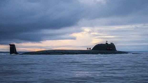 Корабли и подлодки ВМФ России вышли на учения в Баренцево море