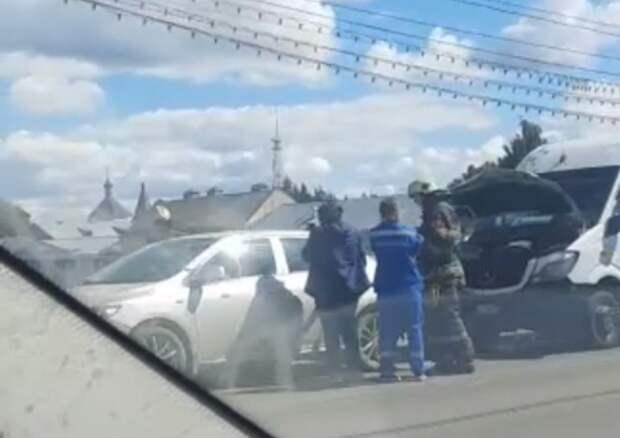 Три ребёнка пострадали в тройном ДТП на Новом мосту в Твери