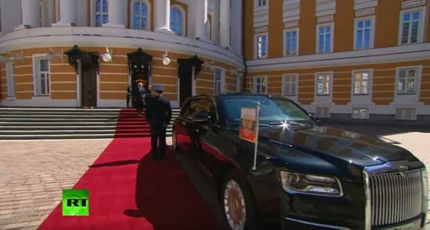Путин должен был приехать на инаугурацию на велосипеде!
