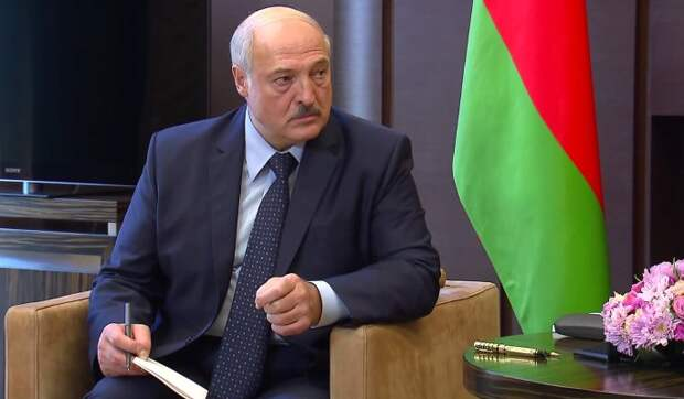 Россия готовит замену сидящем на штыках Лукашенко
