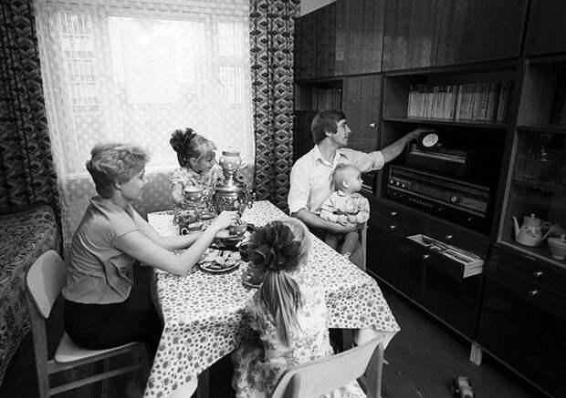 Музыкальный комбайн времен СССР. Эпоха радиол