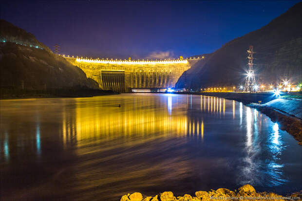 Самая большая ГЭС России