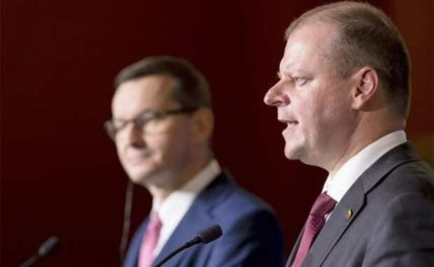 На фото: премьер-министр Польши Матеуш Моравецкий и премьер-министр Литвы Саулюс Сквернялис  (слева направо)