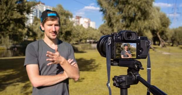 Четверть опрошенных россиян хотят зарабатывать блогерством до миллиона рублей в месяц
