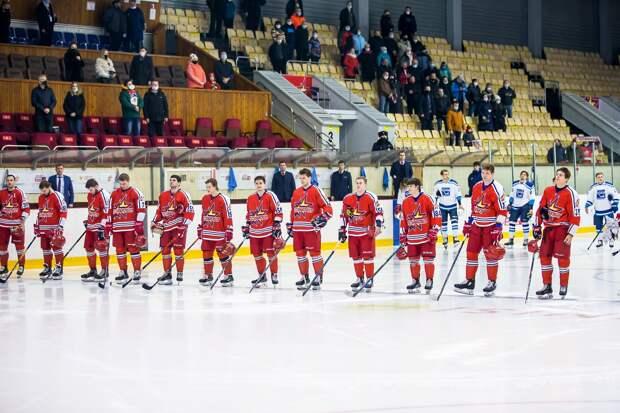 Хоккеисты «Ижстали» одержали победу в матче с «Рязанью»