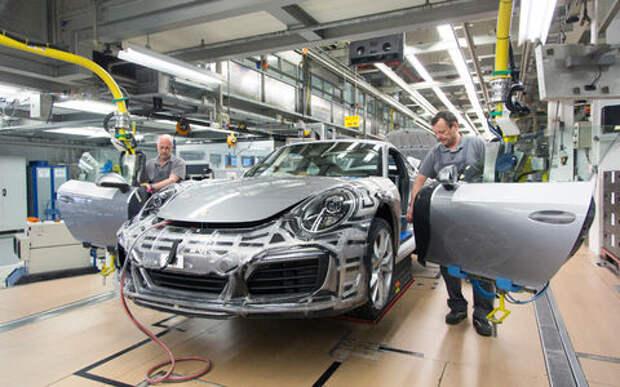 Награда со смыслом: Porsche выплатит сотрудникам по 9111 евро!