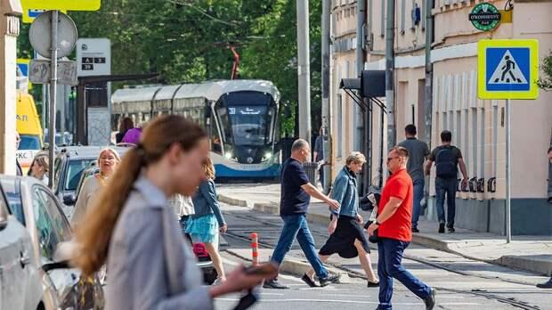 Кремль: на федеральном уровне нерабочие дни пока вводиться не будут