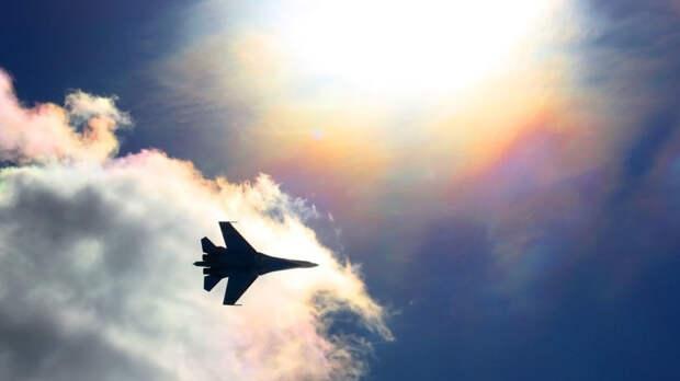 Минобороны РФ показало кадры перехвата французских самолетов над Черным морем