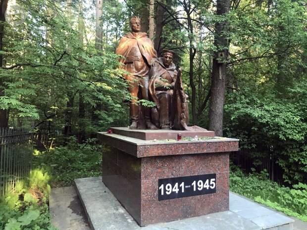 Воинский мемориал на Нагорном кладбище Ижевска отреставрируют в 2022 году