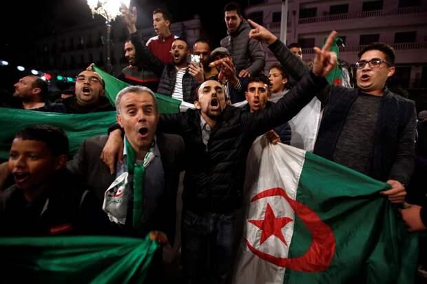 События в Алжире: отставка Бутефлики и переходный период