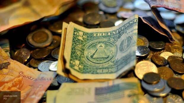 Россияне сняли с валютных вкладов в июне порядка 600 млн долларов
