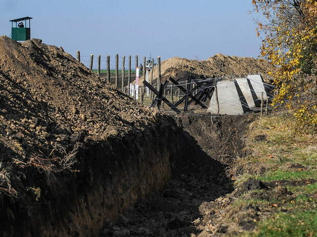 """""""Теперь надо зарыть Черное море"""": укрепсооружения на границе Украины с РФ повергли в шок экспертов ЕС"""