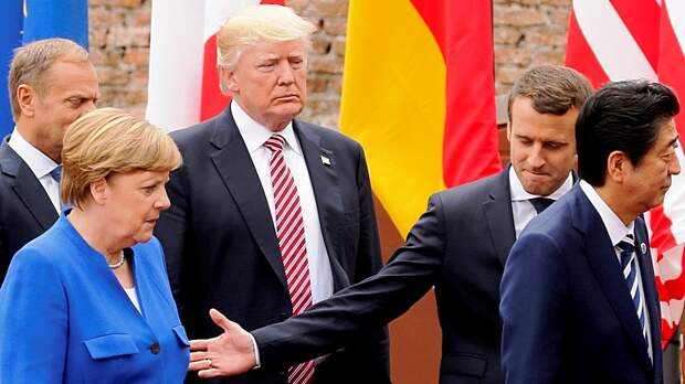 Atlantico: Меркель без труда поставила Макрона на место
