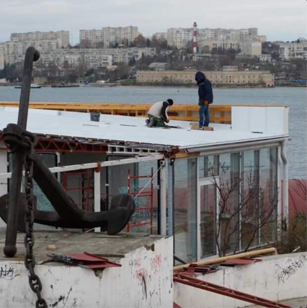 Самострой у мемориала ВОВ меняет крышу после вмешательства Развожаева