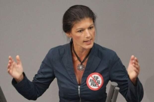 Сара Вагенкнехт: лживая Меркель исполняет пожелания Обамы в ущерб собственному народу