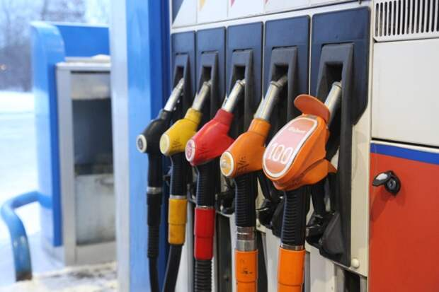 Рост цен на топливо в регионе прокомментировали в Новосибирскстате