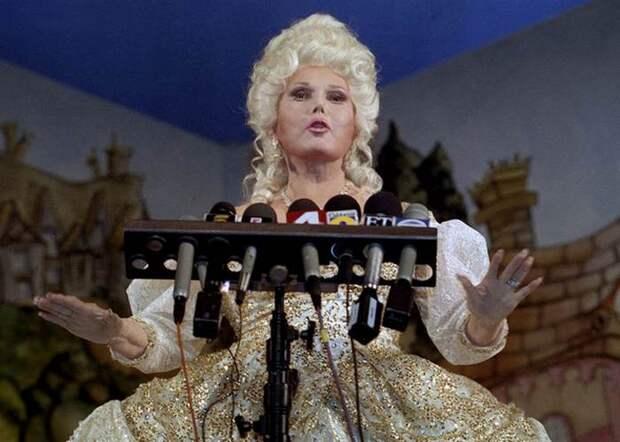 Жа Жа Габор на сцене. / Фото: today.com