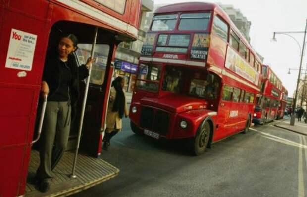 Почему в Англии используют именно 2-этажные автобусы красного цвета