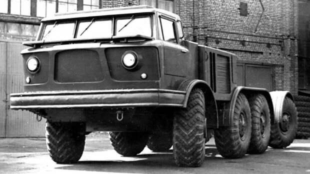 Специальное армейское шасси ЗИЛ-135Е с округлой кабиной. 1960 год  история, ссср, факты