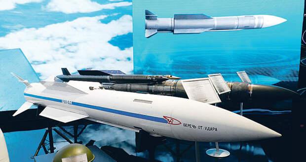 Почему американским F-22, тем более F-35 далеко до Су-57