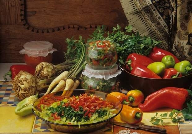 Недозрелый помидор и перезрезый гриб: Роскачество рассказало, чем опасна растительная пища