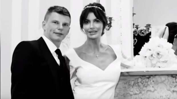Мать Андрея Аршавина обвинила тяжелобольную Казьмину в краже 1 млн евро