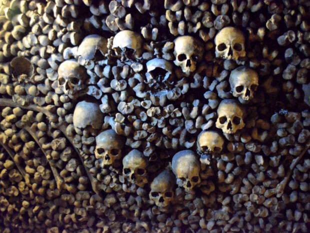 Парижские катакомбы - место упокоения почти 6 миллионов человек