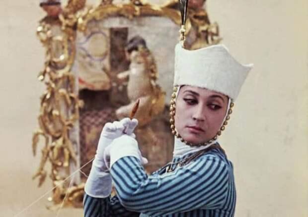 Кадр из фильма *Цвет граната*, 1968 | Фото: kino-teatr.ru