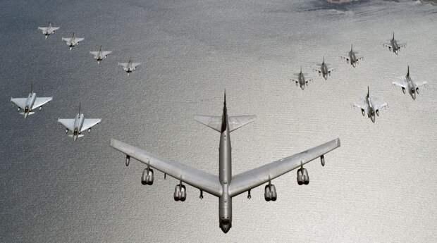 В Китае восхитились реакцией России на «эффектный» маневр ВВС США в Европе